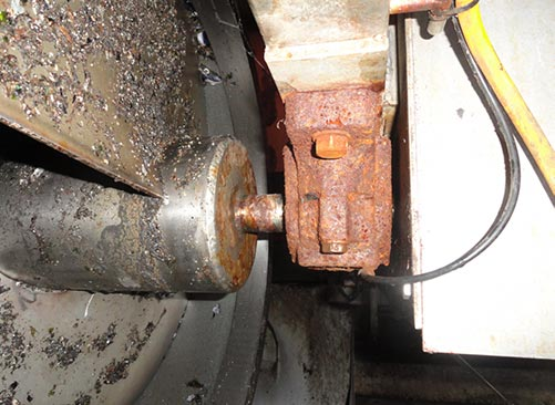 A cast irion plummer block bearing that need be replaced